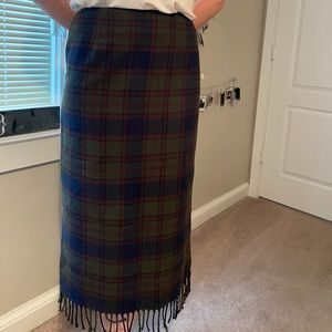 Dresses & Skirts - plaid midi skirt